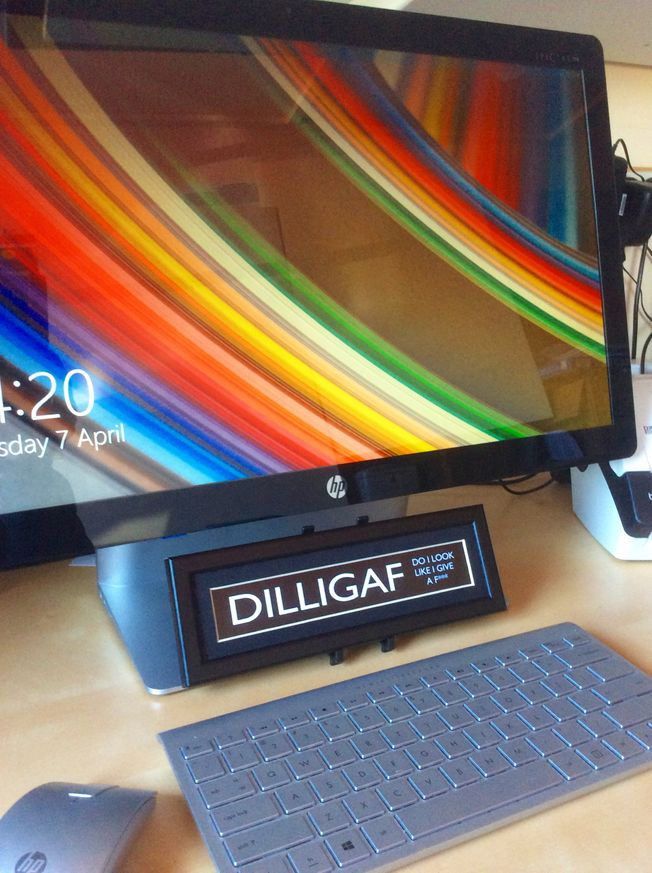 Misigns 'Dilligaf' mini desk top frame